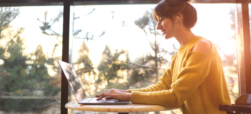 How to Turn Your Side Hustle into Full-Time Freelancing
